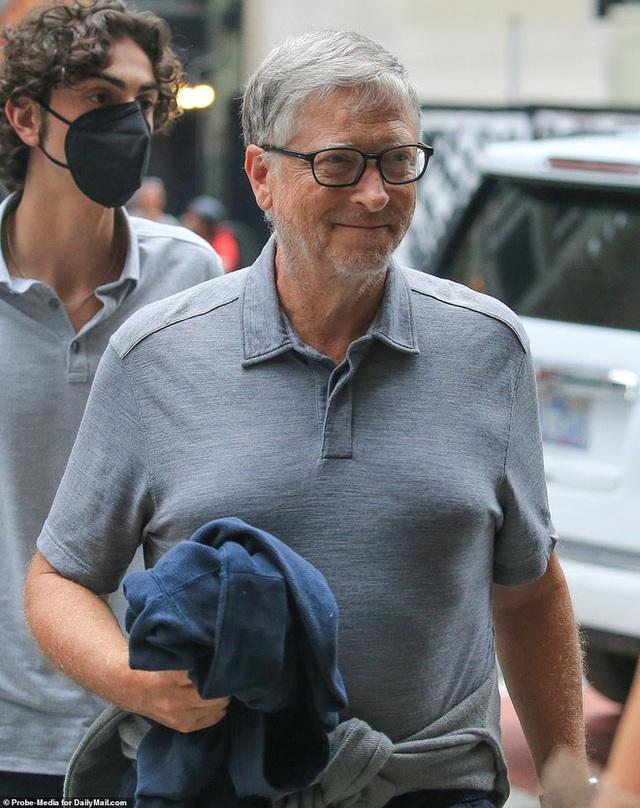 """""""Chàng trai bí ẩn"""" chiếm trọn trái tim công chúa út xinh đẹp nhà Bill Gates, soi kĩ thấy được thái độ của siêu tỉ phú với con rể tương lai - Ảnh 12."""