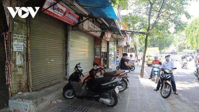 Mở cửa kinh doanh, nhiều người lo không đủ lãi để trả tiền thuê mặt bằng  - Ảnh 2.