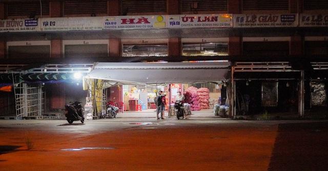Chợ đầu mối nông sản Hóc Môn sáng đèn trở lại - Ảnh 11.