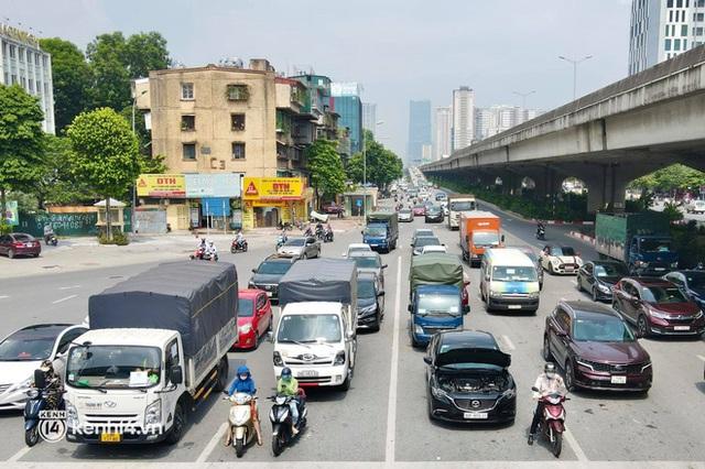 Hà Nội: Đường vành đai 3 trên cao ùn tắc hàng km từ Linh Đàm tới nút giao Phạm Hùng - Ảnh 11.