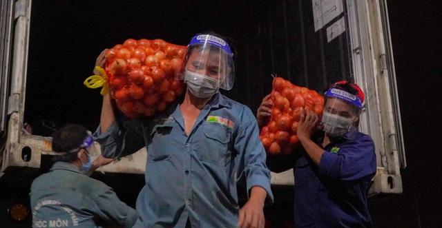 Chợ đầu mối nông sản Hóc Môn sáng đèn trở lại - Ảnh 7.
