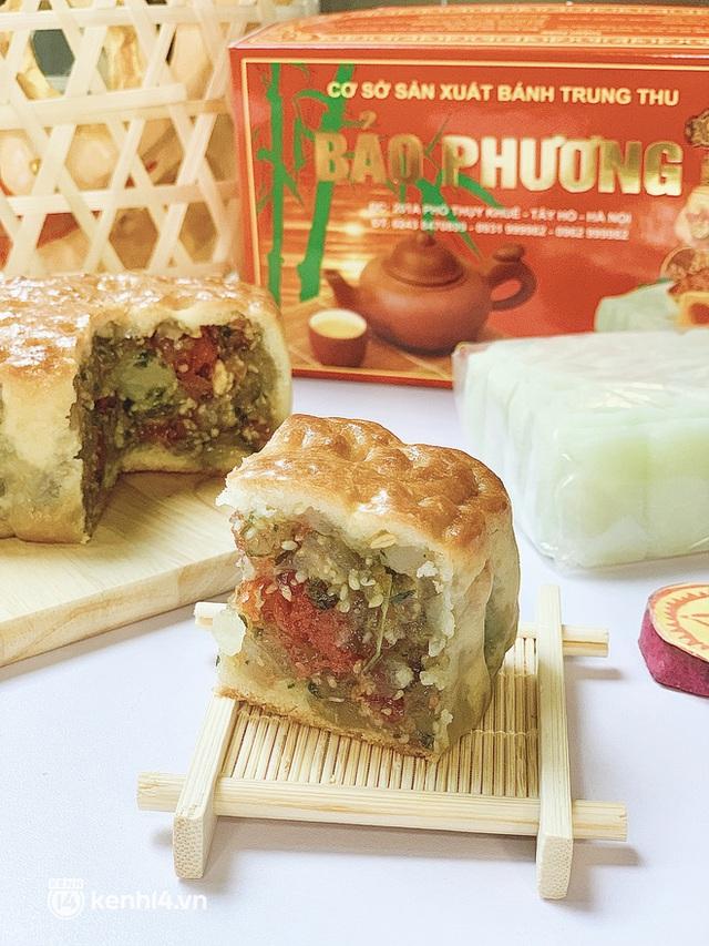 Trên tay hộp bánh Trung thu hot nhất Hà Nội, phải cầu cứu mới mua được: Hương vị có thật sự xuất sắc như lời đồn? - Ảnh 7.