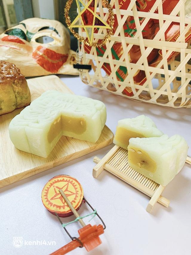 Trên tay hộp bánh Trung thu hot nhất Hà Nội, phải cầu cứu mới mua được: Hương vị có thật sự xuất sắc như lời đồn? - Ảnh 8.