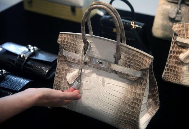 Giải mã sức hút của túi Hermès Birkin đối với giới nhà giàu: Sở hữu một chiếc túi là khoản đầu tư hấp dẫn hơn cả vàng và chứng khoán - Ảnh 1.