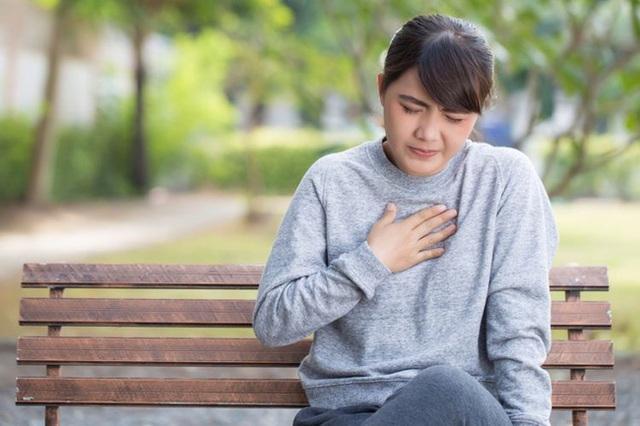 5 dấu hiệu được khắc rất rõ trên da cảnh báo nguy cơ mắc bệnh tim, bất kì ai cũng bị nhầm lẫn với dị ứng - Ảnh 1.