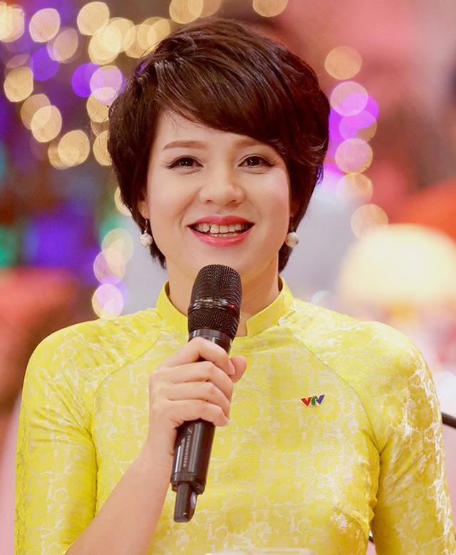 Cặp đôi vàng của VTV Diễm Quỳnh - Anh Tuấn ngày ấy bây giờ: Ngoài đời thân thiết, làm nghề ăn ý như vừng trộn với lạc, thậm chí từng bị hiểu nhầm là vợ chồng - Ảnh 3.