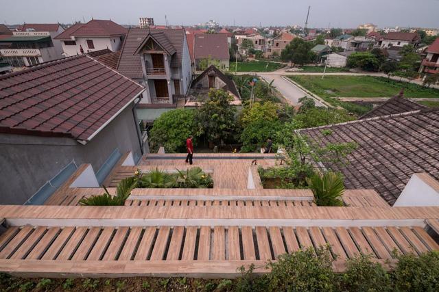 Lạ mắt với ngôi nhà hình ruộng bậc thang - Ảnh 6.