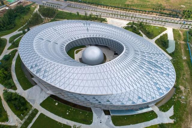 Lộ diện những ứng viên nặng ký trong cuộc bình chọn những tòa nhà xấu nhất ở Trung Quốc - Ảnh 3.