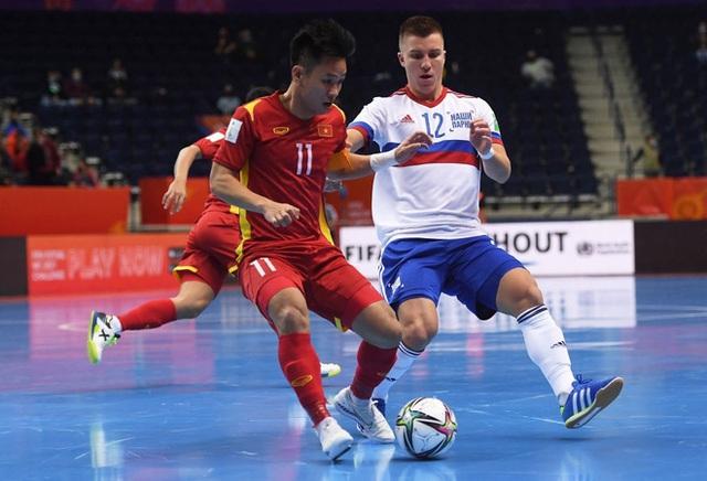 Suýt khiến đối thủ ôm hận tại World Cup, tuyển Việt Nam chiếm trọn trái tim CĐV khu vực - Ảnh 2.