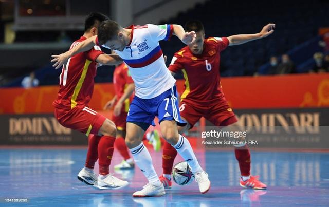 Tuyển Việt Nam tiến bộ cực kỳ nhanh, đấu với Nga ở World Cup mà chơi tự tin vô cùng - Ảnh 1.