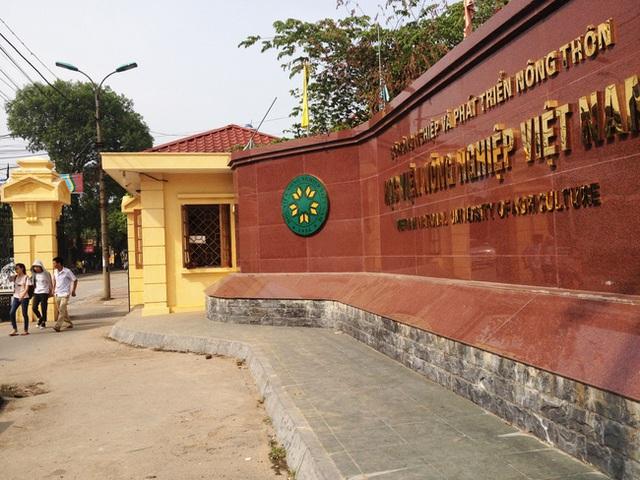 Đại học đẹp nhất nhì Hà Nội: Trường gì mà như chốn non nước hữu tình, còn có sự tích gây xôn xao MXH suốt thời gian dài - Ảnh 1.