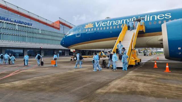 Sân bay Vân Đồn đón chuyến bay thí điểm hộ chiếu vắc-xin cuối cùng - Ảnh 1.