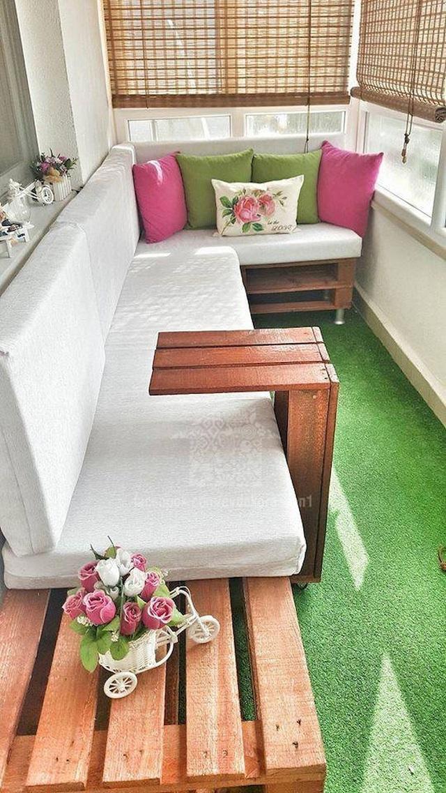 10 cách thiết kế đỉnh cao khi ban công cực nhỏ vẫn bố trí được bàn ăn và ghế - Ảnh 3.