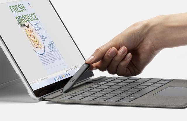 Microsoft ra mắt Surface Pro 8: Màn hình 120Hz, chip Intel Core thế hệ 11, hỗ trợ Thunderbolt 4, giá từ 1099 USD - Ảnh 3.