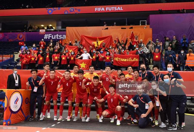 Tuyển Việt Nam tiến bộ cực kỳ nhanh, đấu với Nga ở World Cup mà chơi tự tin vô cùng - Ảnh 4.