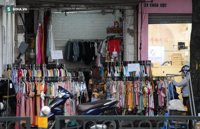 Hà Nội: Phố thời trang, nội thất mở cửa công khai dù chưa được phép - Ảnh 4.
