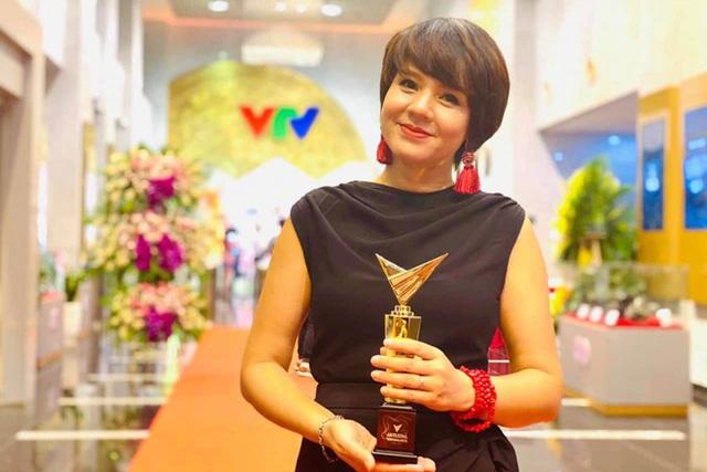 Chân dung 2 sếp nữ quyền lực ở VTV Tạ Bích Loan và Diễm Quỳnh: Con đường sự nghiệp đáng nể, kín tiếng trong đời tư - Ảnh 5.