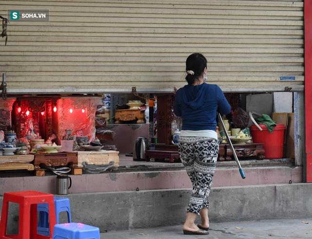 Hà Nội: Phố thời trang, nội thất mở cửa công khai dù chưa được phép - Ảnh 8.