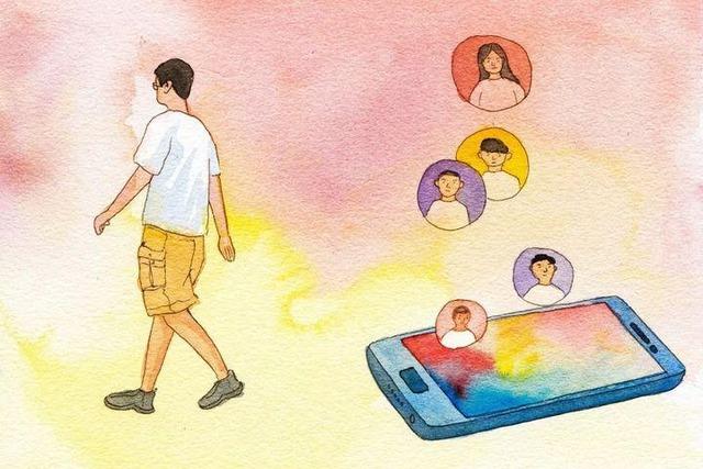 """Người đàn ông """"kì lạ"""" giữa thời đại 4.0: Tự cắt tóc, tìm hoa quả mọc ven đường để ăn, không dùng điện thoại vì tiết kiệm, tối giản nhu cầu để tìm hạnh phúc - Ảnh 2."""