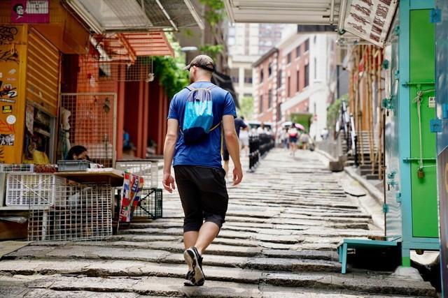 Quên việc đi bộ 10.000 bước mỗi ngày đi, nghiên cứu mới đã chỉ ra: Đây mới là con số giúp bạn sống thọ và khỏe mạnh, nhiều hơn cũng chẳng tác dụng gì - Ảnh 1.