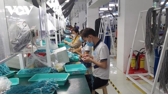 Doanh nghiệp ở Bình Dương trở lại sản xuất sau khi dịch bệnh được kiểm soát - Ảnh 2.