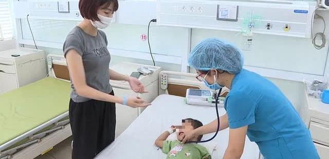Viêm cơ tim ở trẻ: Từ cơn sốt nhẹ trẻ có thể rơi vào hôn mê nguy kịch, bác sĩ khuyến cáo cha mẹ cách phòng bệnh cho con - Ảnh 1.