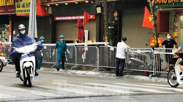 Phát hiện ca mắc mới, Hà Nội phong tỏa một đoạn phố Trần Nhân Tông - Ảnh 1.
