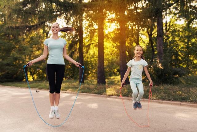 Tập bộ môn này 15 phút mỗi ngày tương đương chạy bộ nửa tiếng, đặc biệt còn có 5 lợi ích sức khỏe khác bạn không thể bỏ qua - Ảnh 1.