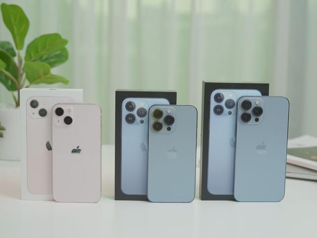 Cận cảnh 3 mẫu iPhone 13 vừa về Việt Nam - Ảnh 2.