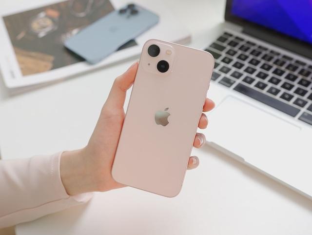 Cận cảnh 3 mẫu iPhone 13 vừa về Việt Nam - Ảnh 6.
