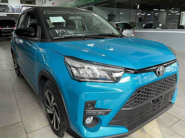 Toyota Raize đầu tiên về Việt Nam: Đại lý nhận cọc 20 triệu đồng, giá dự kiến 500 triệu đồng, đối thủ đi trước một bước của Kia Sonet - Ảnh 2.