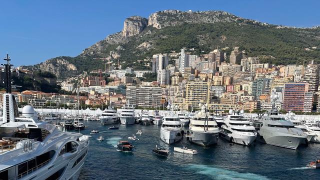 Cảnh xa xỉ tại triển lãm du thuyền Monaco, nơi quy tụ tài sản của nhà giàu thế giới - Ảnh 1.
