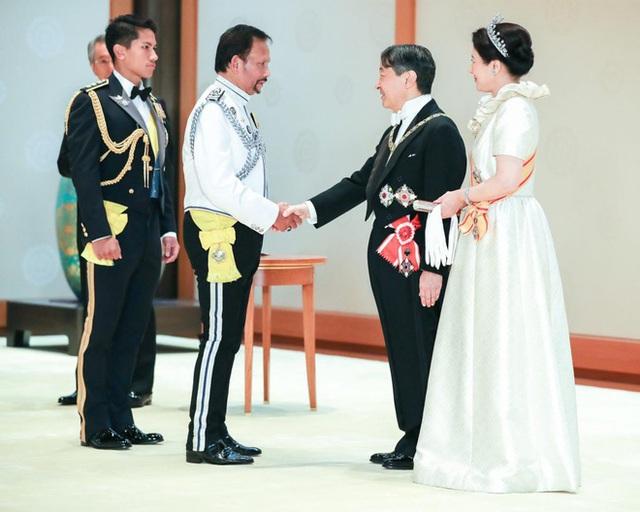 """Hoàng tử điển trai nhất Brunei - người thừa kế 20 tỷ USD """"cực phẩm"""" từ đầu đến chân từng làm MXH náo loạn giờ có cuộc sống thế nào? - Ảnh 5."""