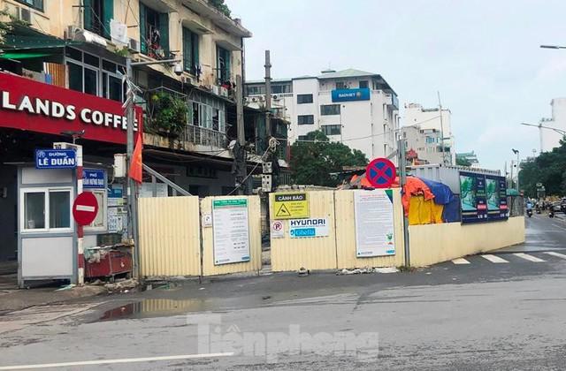 Cận cảnh ga ngầm metro Hà Nội bị nhà thầu nước ngoài dừng thi công - Ảnh 7.