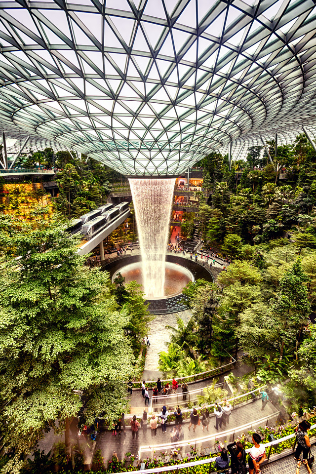 Top 10 sân bay sang chảnh bậc nhất thế giới: Singapore đẹp như khu nghỉ dưỡng trị giá 1,7 tỷ USD cũng chỉ hạng 3, quốc gia TOP 1 là cái tên không ngờ - Ảnh 3.