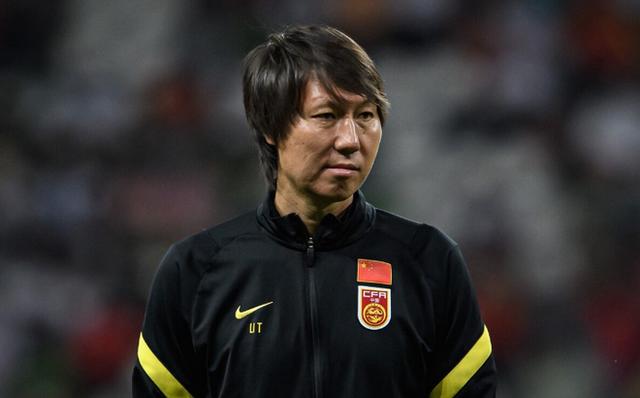 HLV Trung Quốc thề sẽ thắng tuyển Việt Nam, nếu thua sẽ lập tức từ chức và trở về nước - Ảnh 1.