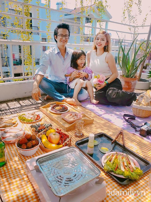 Chi 600k là gia đình 3 người mê xê dịch ở Sài Gòn đã có chuyến du lịch ngay tại nhà trong mùa dịch - Ảnh 1.