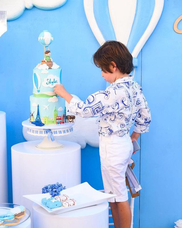 Thiếu gia 8 tuổi của nữ tỷ phú người Việt đón sinh nhật xa hoa trong lâu đài 800 tỷ - Ảnh 15.
