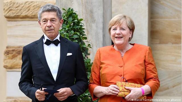 Bà đầm thép Angela Merkel chưa thể ngay lập tức về hưu để nhận 17.500 USD/tháng cùng một cuộc sống an nhàn - Ảnh 3.