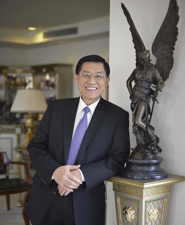 Vua hàng hiệu Johnathan Hạnh Nguyễn vẫn nuôi tham vọng lập hãng bay, chi 3,5 tỷ USD mua 10 máy bay Boeing 777F - Ảnh 1.