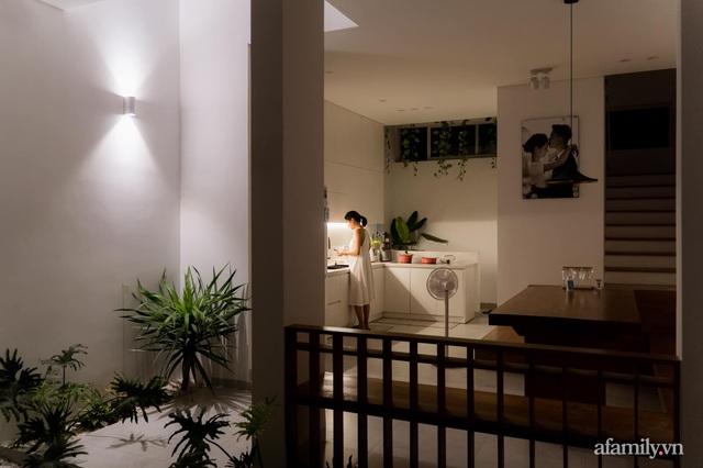 Căn nhà phố màu trắng gọn xinh ấm cúng của cặp vợ chồng trẻ Đà Nẵng có chi phí hoàn thiện 1,4 tỷ đồng - Ảnh 12.