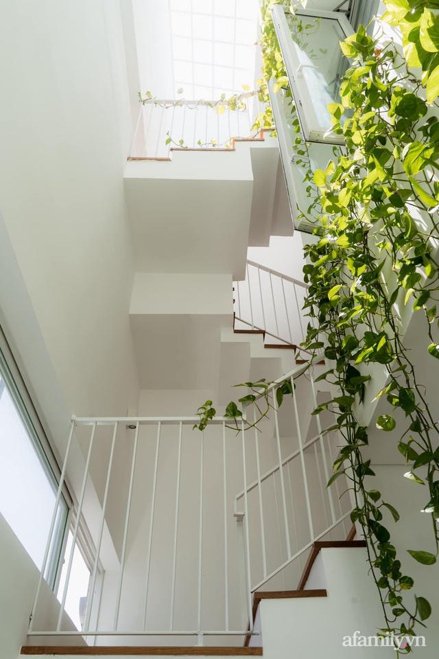 Căn nhà phố màu trắng gọn xinh ấm cúng của cặp vợ chồng trẻ Đà Nẵng có chi phí hoàn thiện 1,4 tỷ đồng - Ảnh 16.