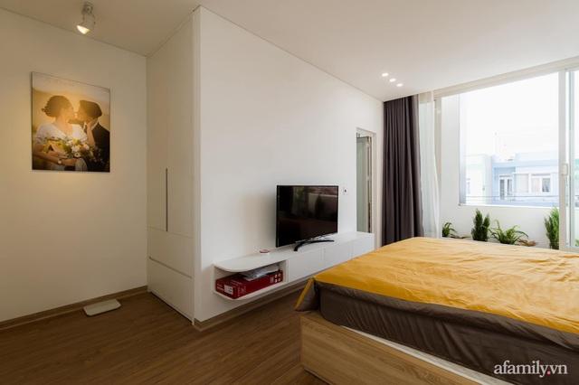 Căn nhà phố màu trắng gọn xinh ấm cúng của cặp vợ chồng trẻ Đà Nẵng có chi phí hoàn thiện 1,4 tỷ đồng - Ảnh 20.