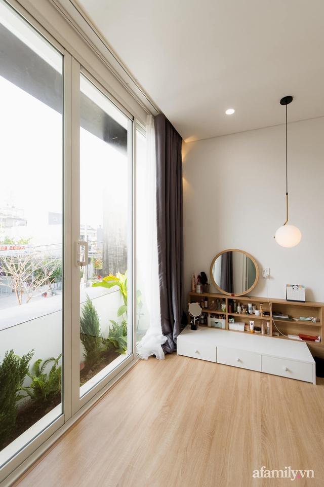Căn nhà phố màu trắng gọn xinh ấm cúng của cặp vợ chồng trẻ Đà Nẵng có chi phí hoàn thiện 1,4 tỷ đồng - Ảnh 21.