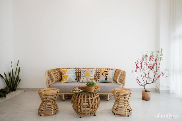 Căn nhà phố màu trắng gọn xinh ấm cúng của cặp vợ chồng trẻ Đà Nẵng có chi phí hoàn thiện 1,4 tỷ đồng - Ảnh 5.