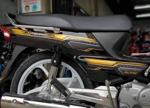Cận cảnh Honda Dream 2022 cập bến đại lý, giá không ngờ - Ảnh 5.