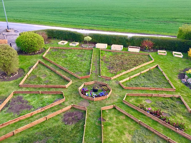 Khu vườn cổ tích của hai chàng trai có cùng sở thích trồng rau, nuôi gà - Ảnh 7.
