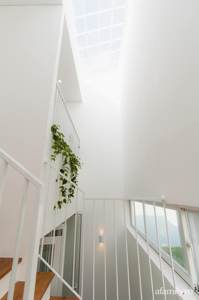 Căn nhà phố màu trắng gọn xinh ấm cúng của cặp vợ chồng trẻ Đà Nẵng có chi phí hoàn thiện 1,4 tỷ đồng - Ảnh 8.