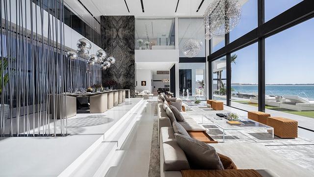 """Doanh nhân Thụy Điển rao bán căn dinh thự xa hoa có giá hơn 700 tỷ đồng tại Dubai: Sẵn sàng tặng kèm Rolls-Royce và Ferrari cho những ai """"có thiện chí"""" - Ảnh 1."""