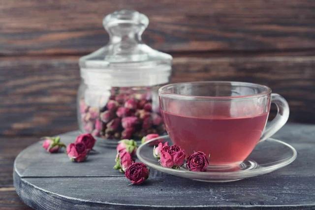 Phụ nữ sau tuổi 44 nên sử dụng 5 thức uống này để tránh tử cung lão hóa nhanh và ngăn ngừa được nhiều bệnh phụ khoa - Ảnh 2.